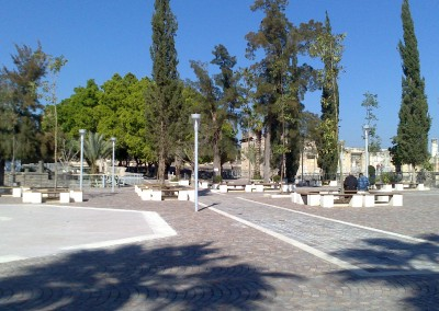 Porphyry cubes overlapping arcs - Cafarnao-Israel