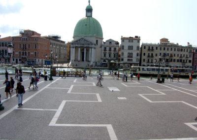 Pavé porphyre arcs opposés Gare Venise