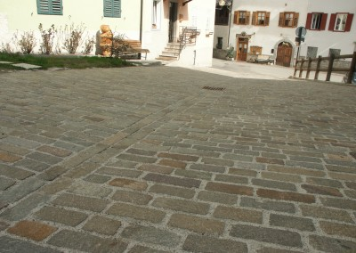 Binderi in porfido del Trentino - Ossana - Trento  Italia