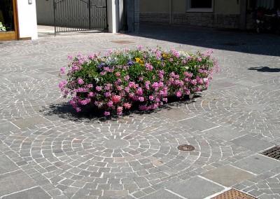 Porphyry cubes concentric circles - Trento Cortina Italy