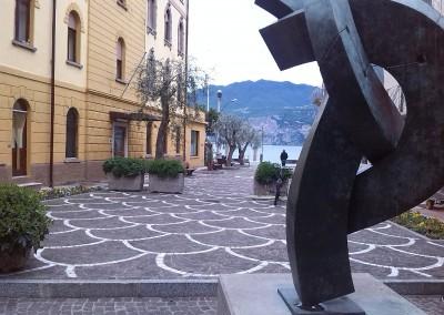 Cubetti in porfido a coda di pavone - Lago di Garda Italia