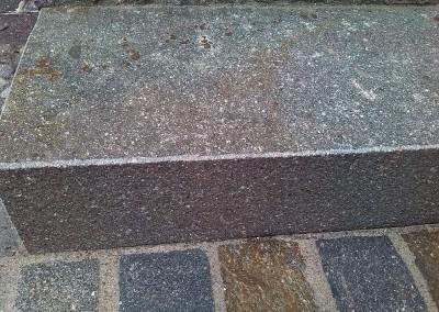 Blockstufen Oberfläche und Kanten geflammt