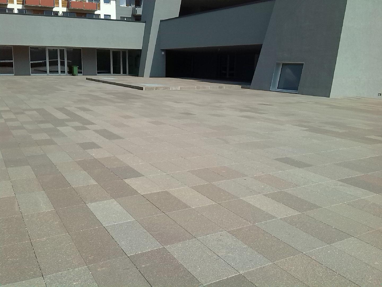 Piastrelle in porfido per interni ed esterni - Piastrelle pavimento esterno ...