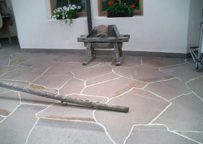 Porphyr unregelmässige Platten großformat privat Residenze Renon Italien