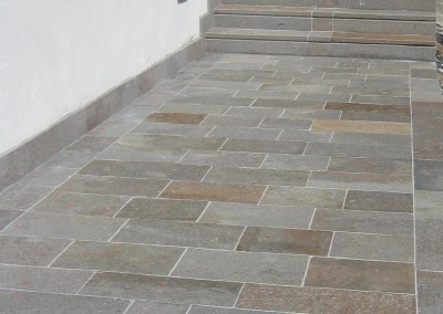Porphyry steps flamed surface