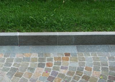 Бордюры из порфира с обожженной поверхностью и с натуральной видимой
