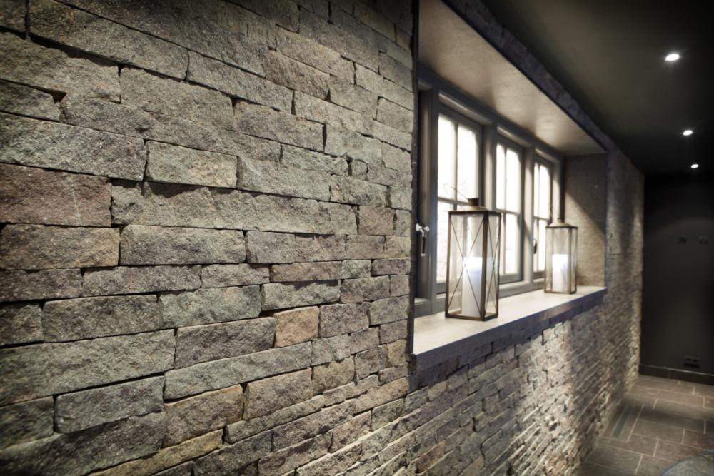 Interni in porfido pietra versatile per realizzazioni da interno - Pietra per interni parete ...