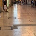 Marmo reso scivoloso da usura - Verona via Mazzini